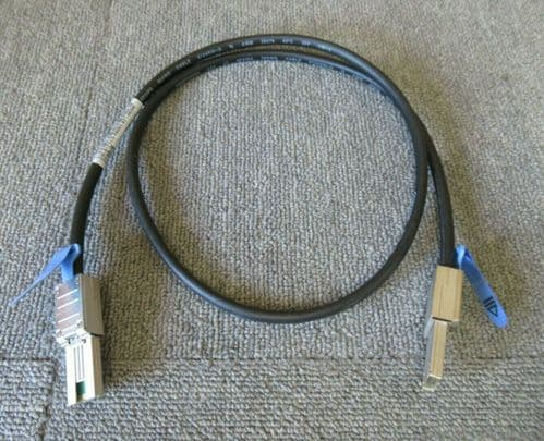 Dell 171C5 PowerVault MD1200 1M SFF-8088 To SFF-8088 External SAS Cable